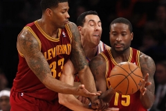 New York Knicks Pablo Prigioni Sandwiched